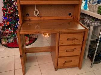 Solid Wood Desk – FREE to good home