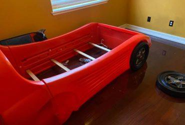 Curb alert free race car bed (Orlando)