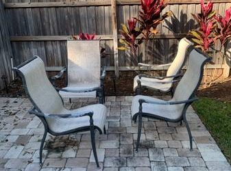 FREE: 4 Outdoor Chairs – DIY Project