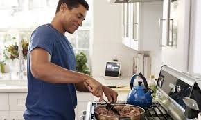 Now Hiring Experienced Cook (Delray Beach Fl)