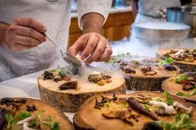 Cooks, servers, busser, driver, Sushi cook, dishwasher (Doral)