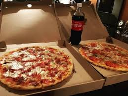 SERVERS (Carini's Pizza and Pasta at 814 N. Federal Hwy, Hallanda)