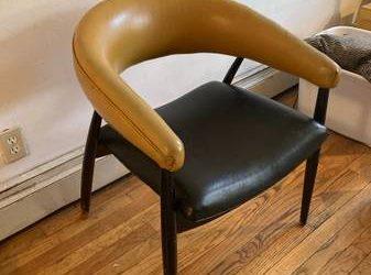 Free chair (Brooklyn)