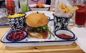 Hungry Pants – Server (SODO – Orlando)