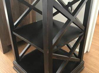 End table / bedside table (Upper West Side)