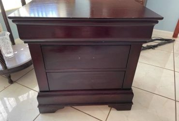 Free – Mahogany Bedside Cabinet (South Miami)