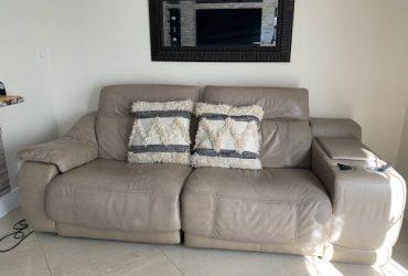 Beautiful Beige Leather sofa/recliner (Pembroke Pines)