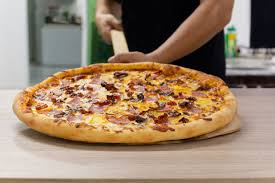 WANTED Delivery Driver & front desk cum cook for a Pizzeria (orlando)