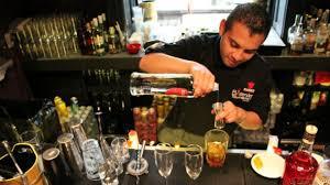 Resort Now Hiring: Bartenders, Room service servers,Entry levelCooks