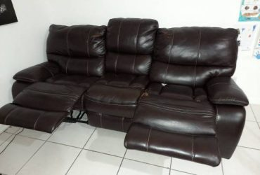 Free couch (Hollywood)