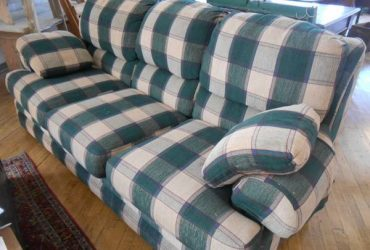 *FREE*Vintage couch.
