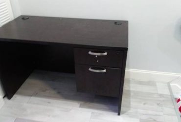 Office Desk FREE (Greenacres)