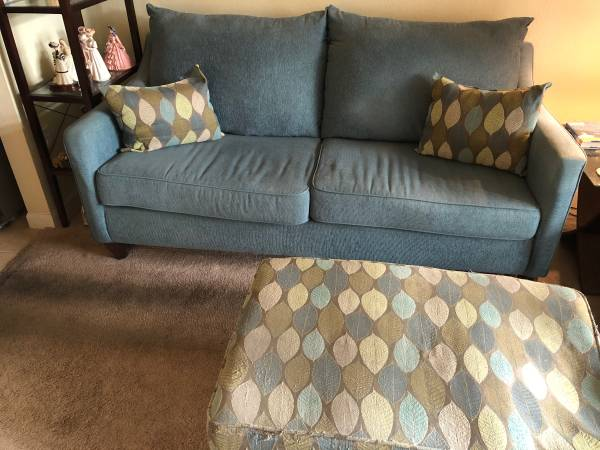 free sofa & ottoman w/ pillows (Altamonte Springs)