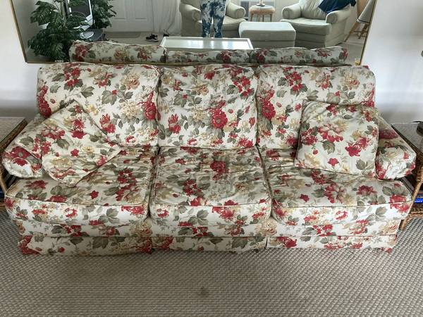 Free chairs with ottoman (Fort Lauderdale)