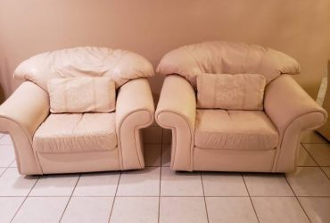 Free White Chairs! (Delray Beach)