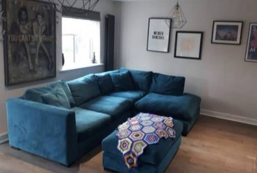 Free like new couch -Orlando